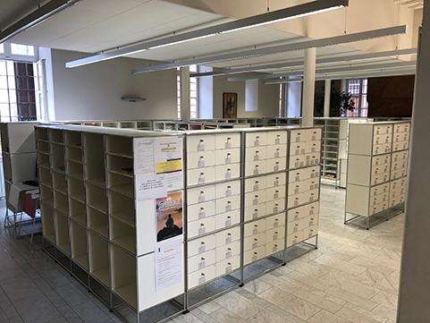 Photographie d'une salle de casiers du tribunal de Toulouse